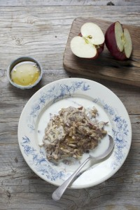 Apple and cinnamon power porridge