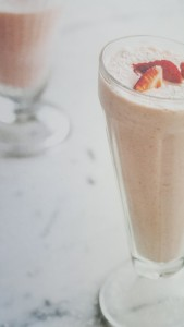Strawberry and Coconut Thickshake